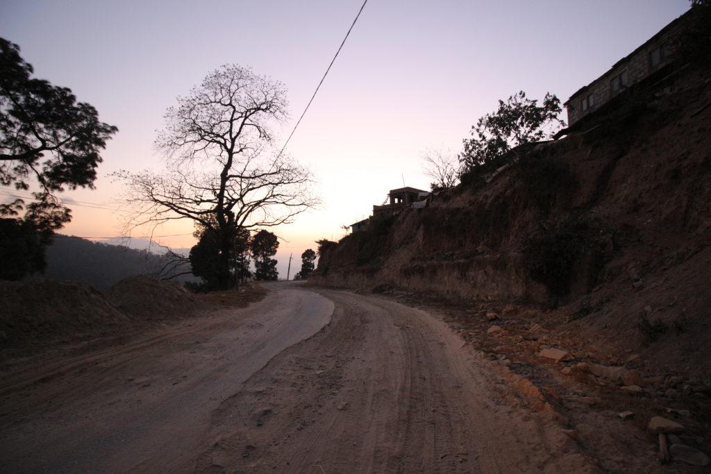 ナガルコットまでの険しい道のり