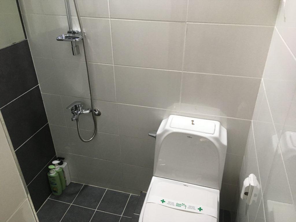 ベット・シャワールームも清潔だった