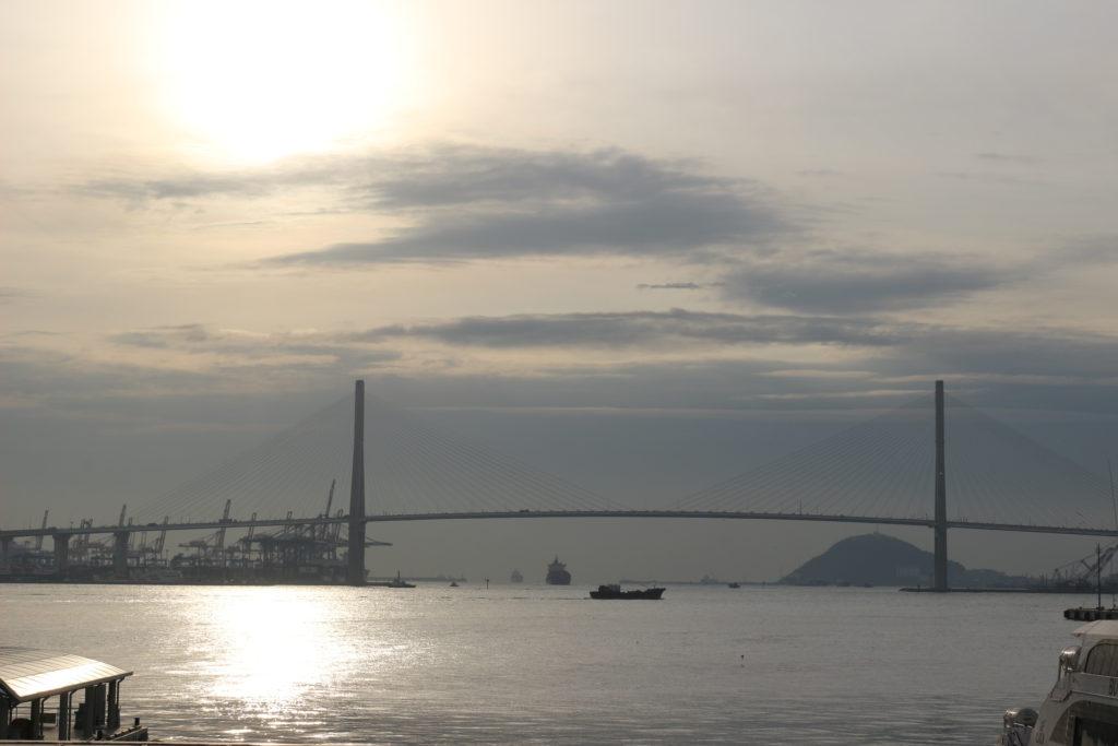 ターミナルから見た釜山港
