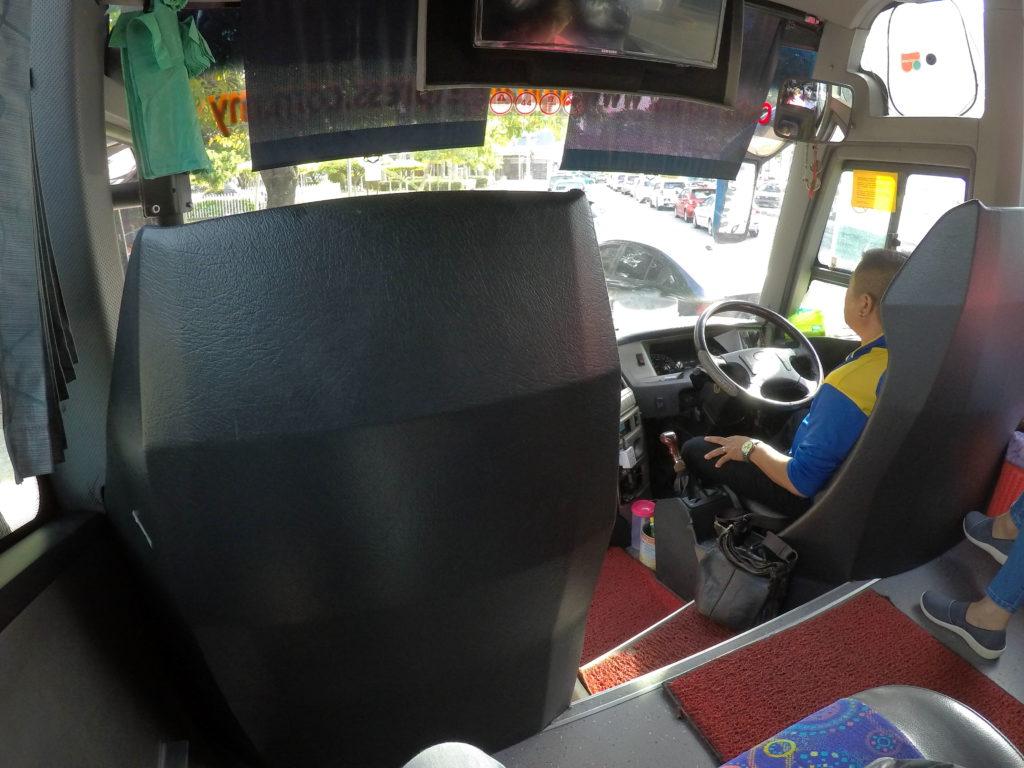 運転席の様子。