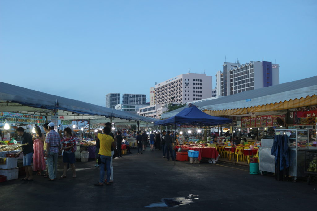 Waterfront Seafood Night Marketの様子