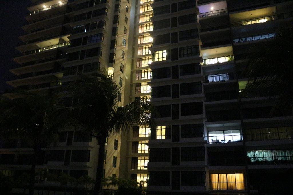 タワーマンションの外観