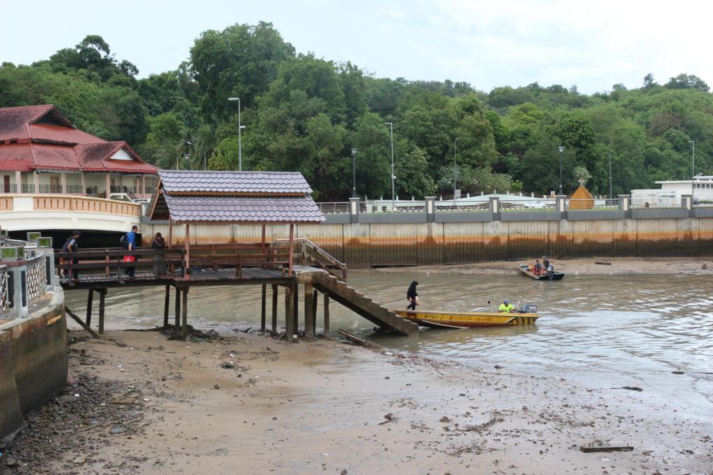 市街地側にある船着場