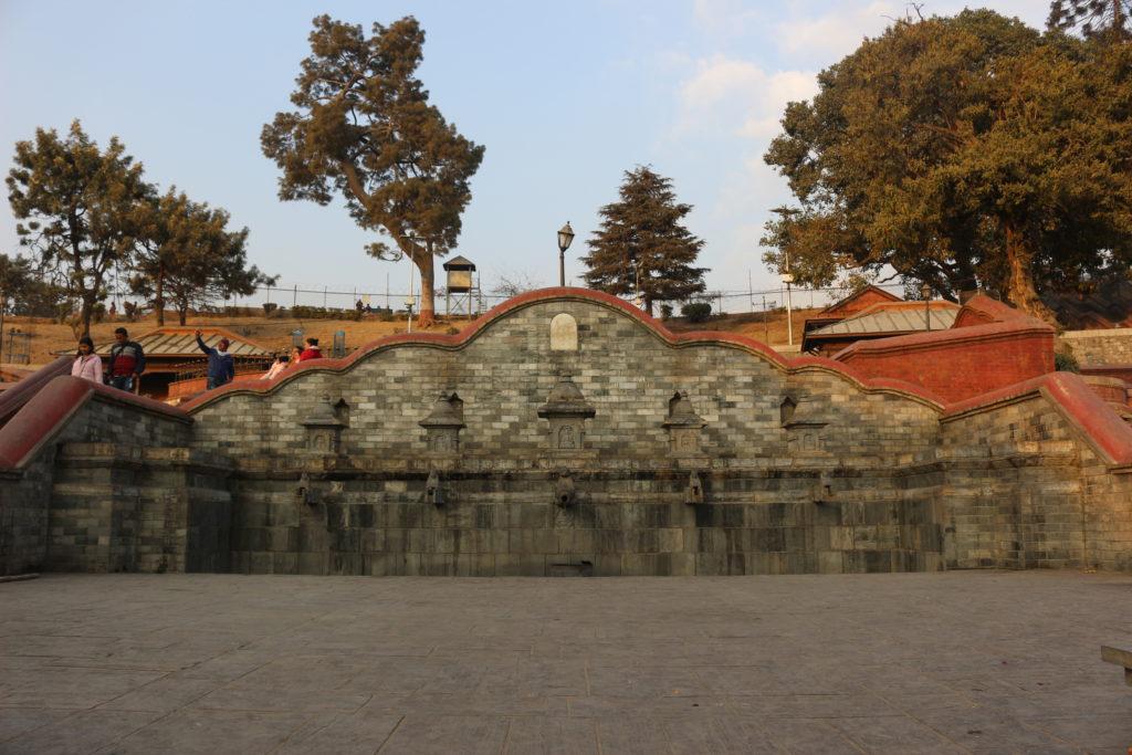 パシュパティナート寺院の前にある広場