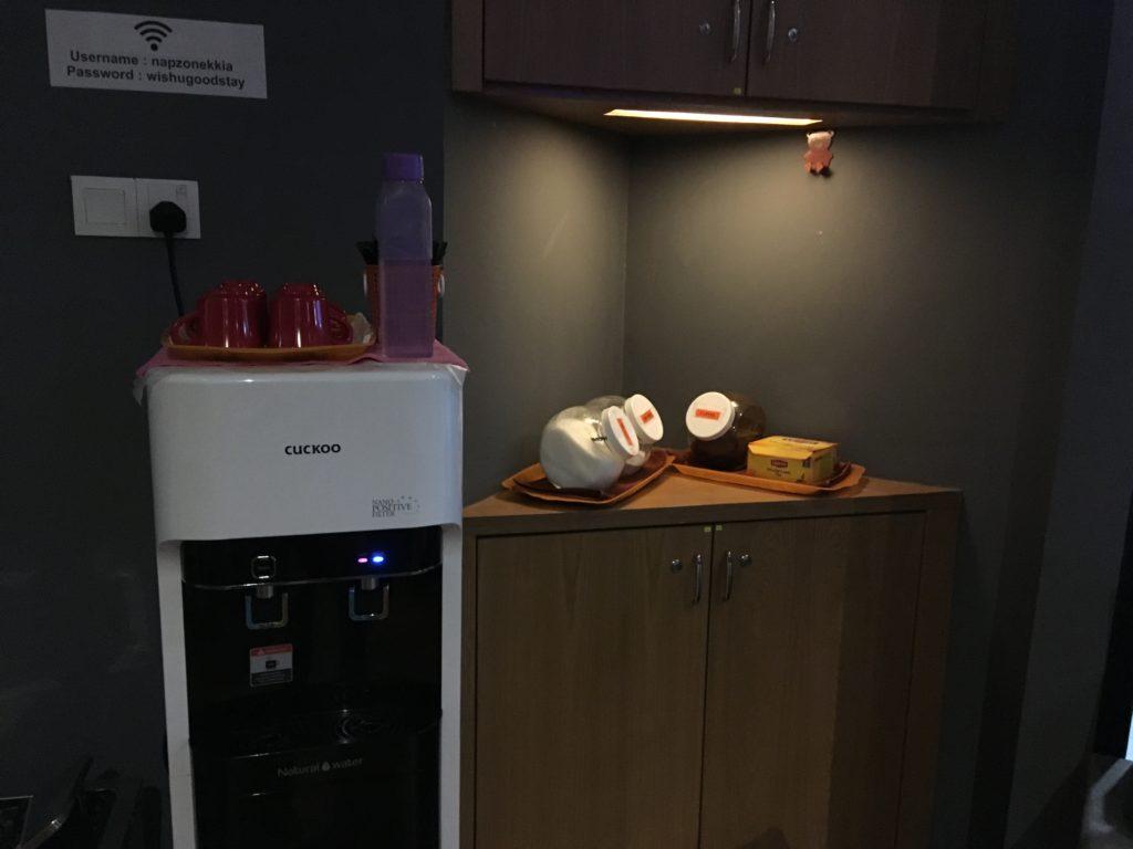 ウォーターサーバー。コーヒーや紅茶も飲むことができます。