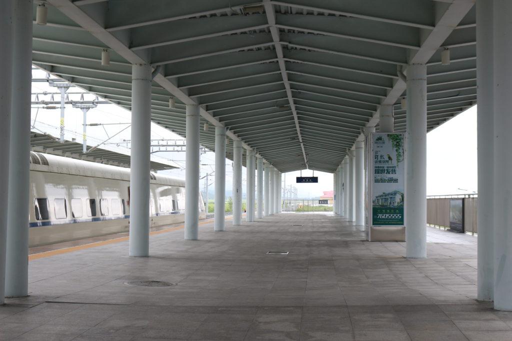 琿春駅のホーム