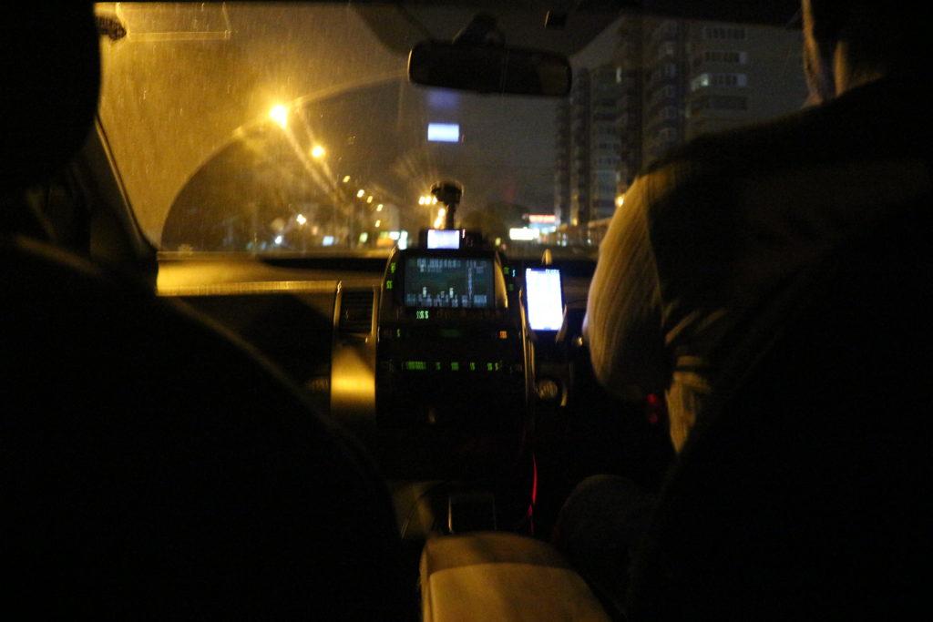 ウスリースク駅からタクシーに乗っていきました