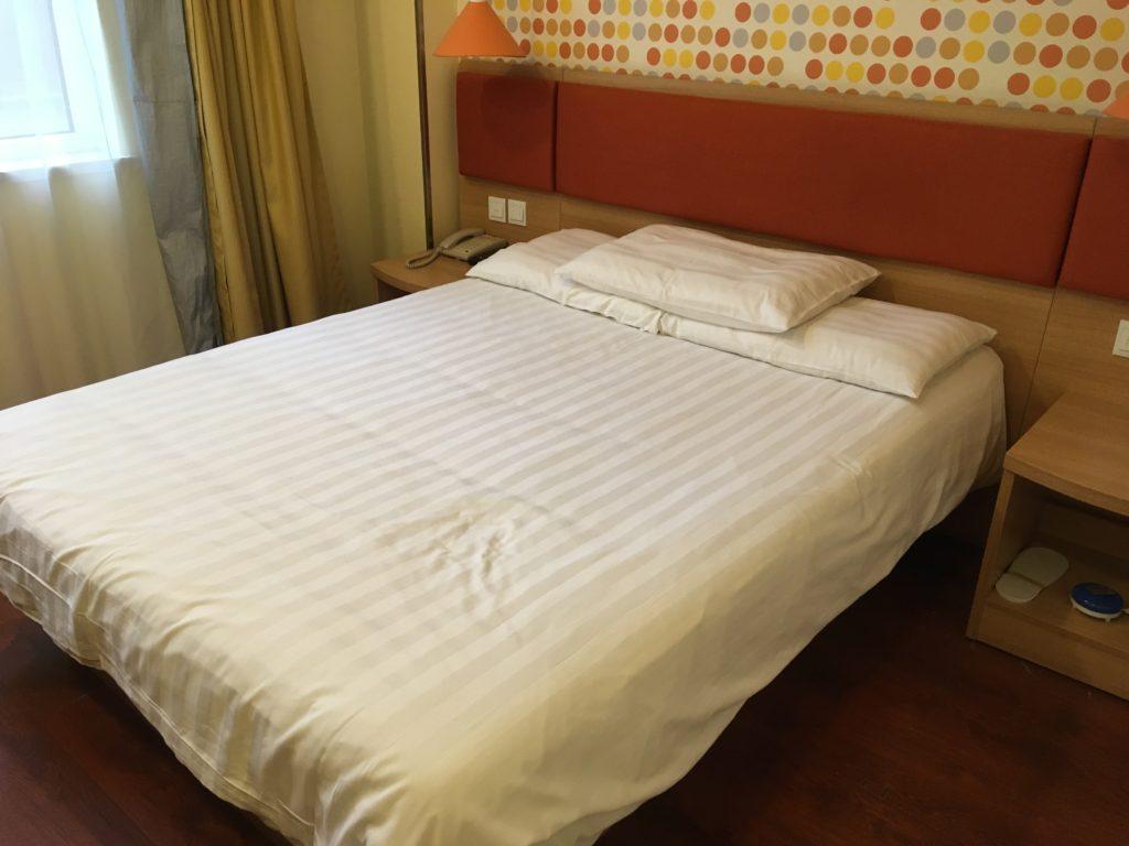宿泊した部屋のベッド