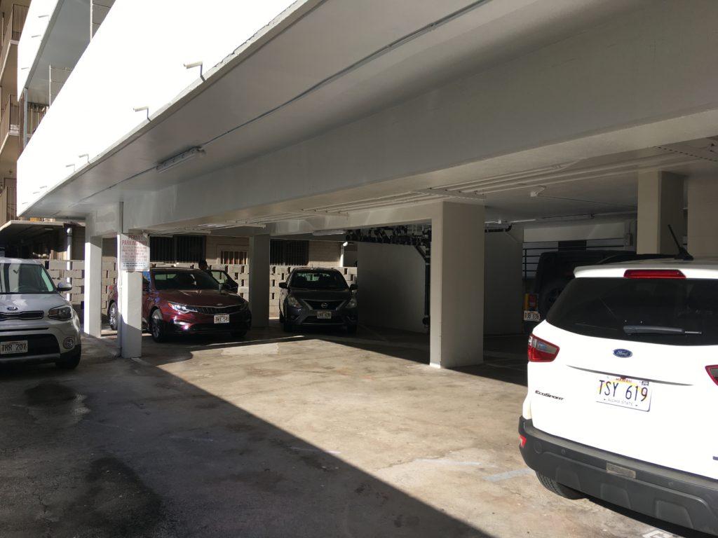 ホテルの駐車場