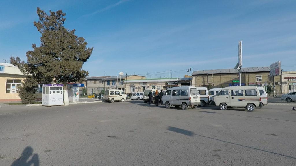 カサコナバスターミナルの様子