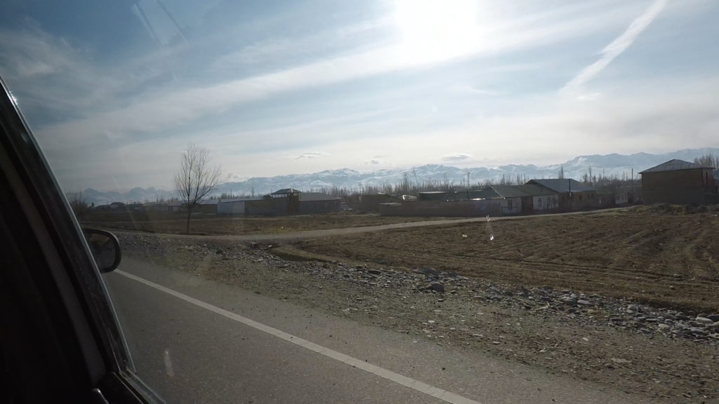 国境からペンジケントまでの車窓からの景色