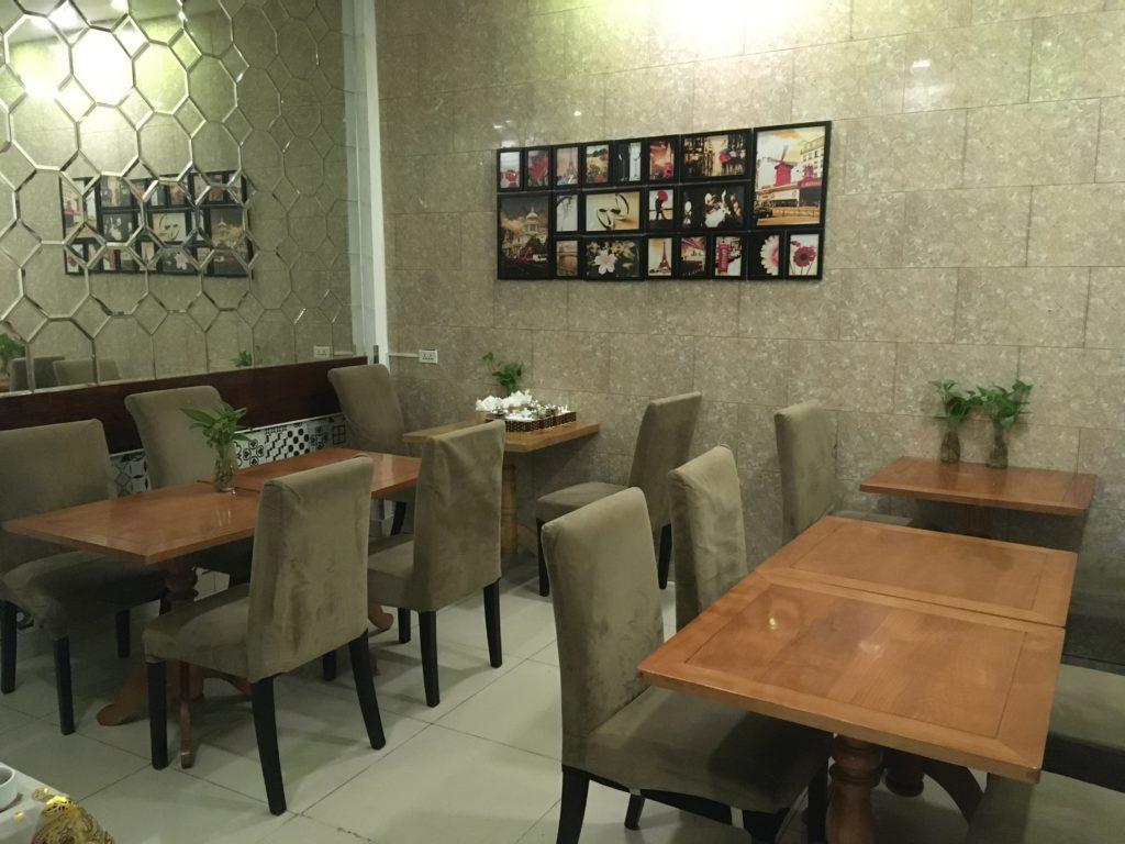 1階の食事スペース