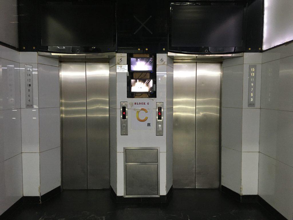 Cブロックのエレベーター
