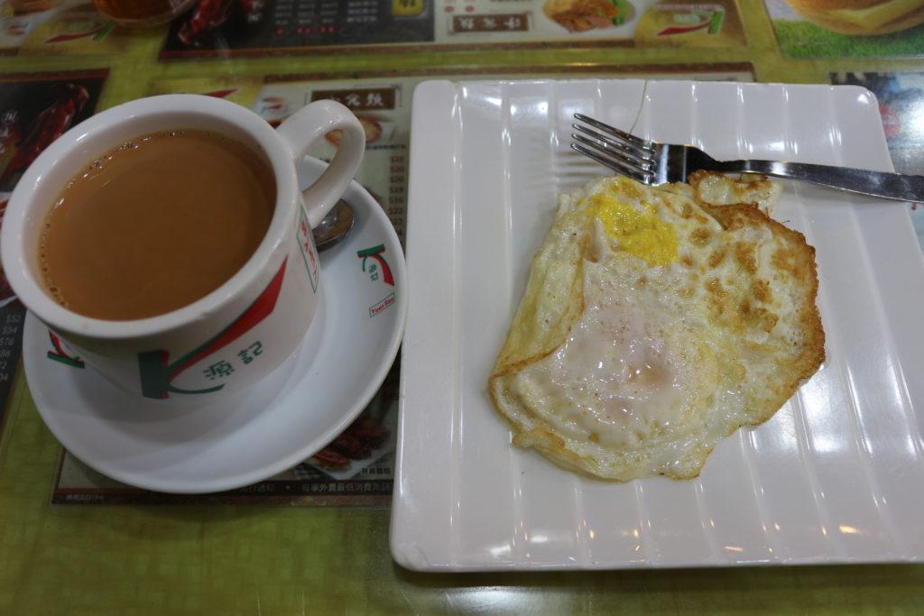 近くの飲食店で食べた朝食。