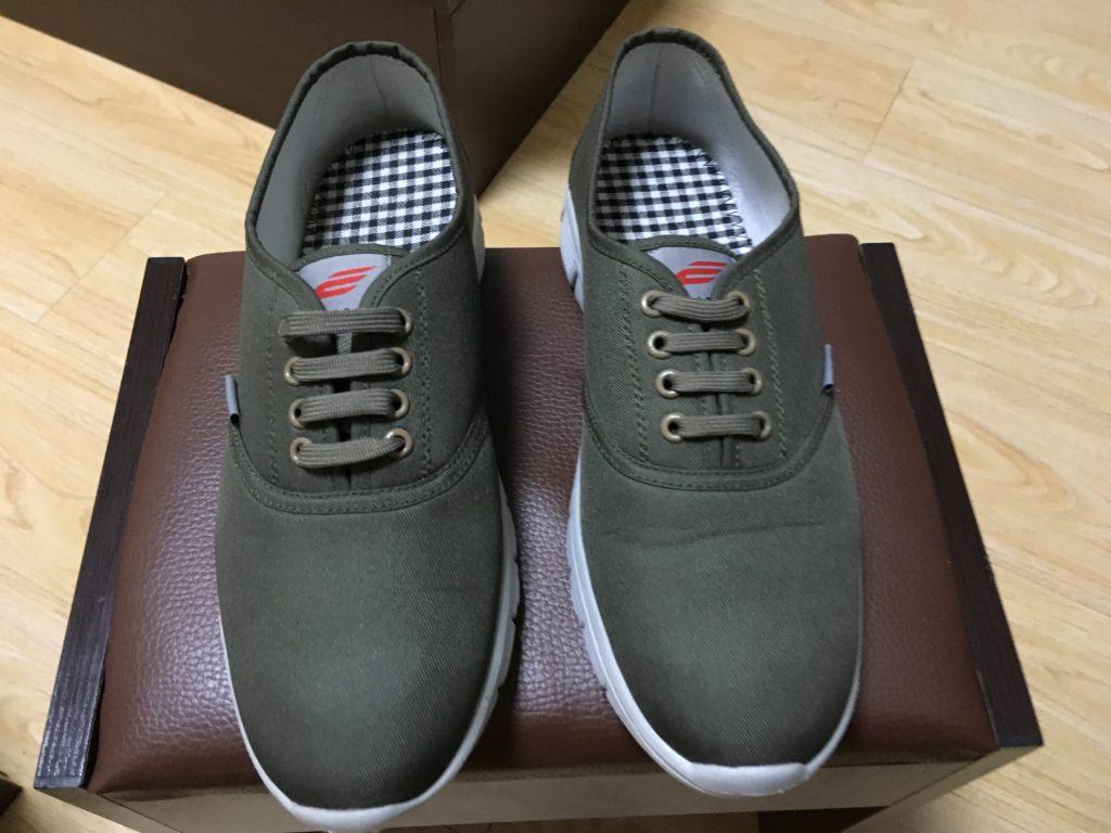 購入した運動靴