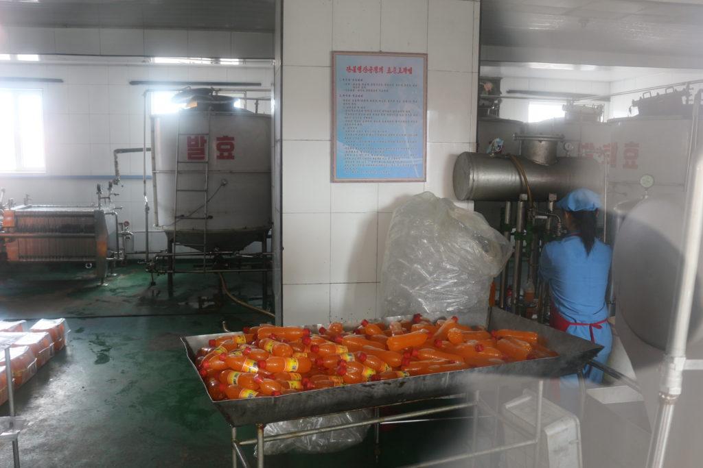 飲料工場の内部
