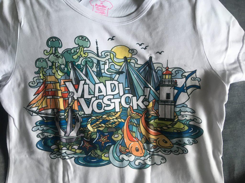 Tシャツ 690ルーブル(≒1,000円)