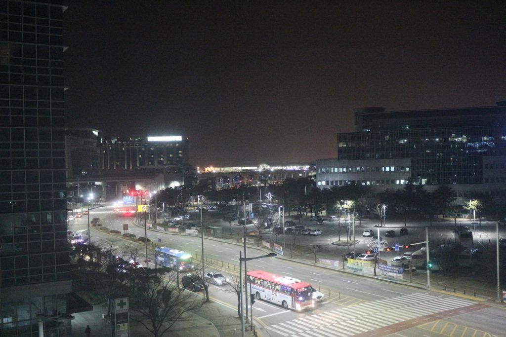 部屋からは仁川国際空港が見える